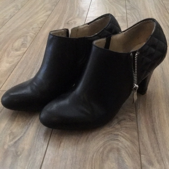 Naturalizer Shoes - ‼️SOLD‼️ Naturalizer booties
